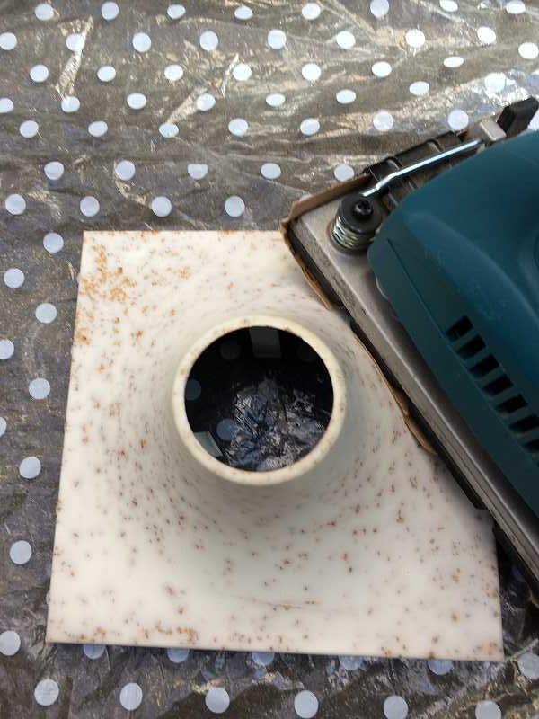 【DIY】サビの浮いた電気の笠を塗りなおす【水性塗料】-4
